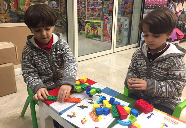 بهترین اسباب بازی برای کودکان خردسال چیست؟